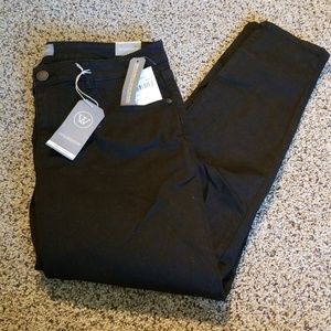 NWT  Wit and wisdom black ankle skimmer